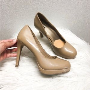 FIONI   Tan patent leather heels, Size 6 1/2